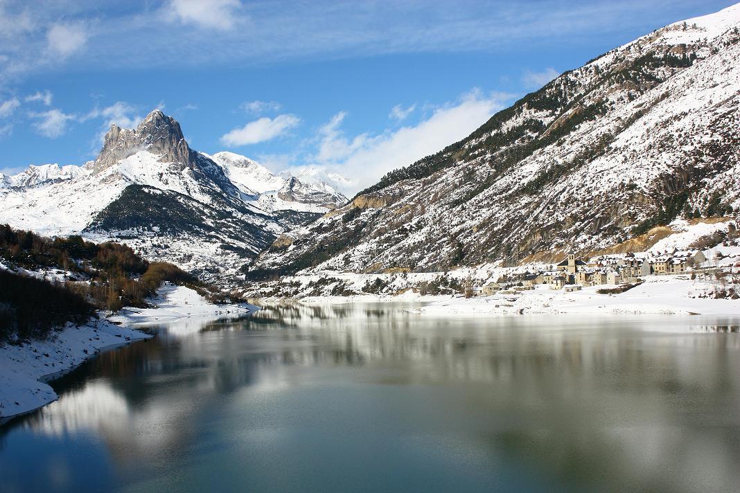 vysochajshaya-gora-pireneev-pirenei-na-karte